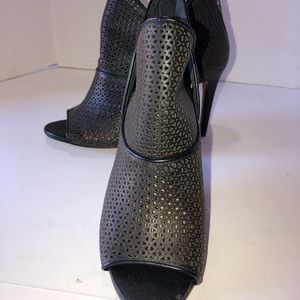 New Vince Camuto Vatena Leather Bootie Sz 5